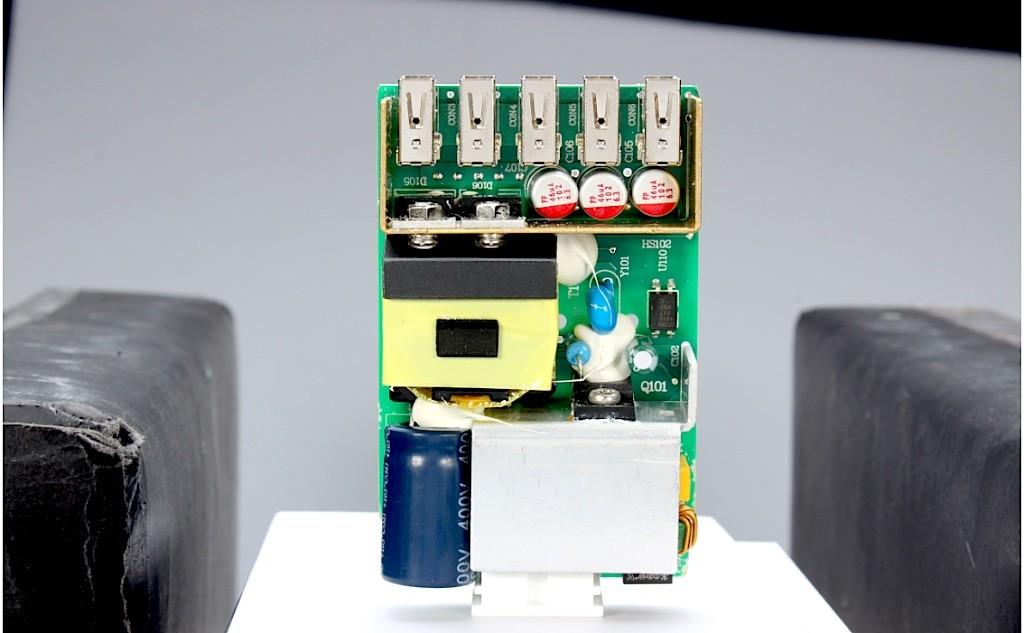 BlitzWolf-Internal-Circuit-MMonkey-1024x633