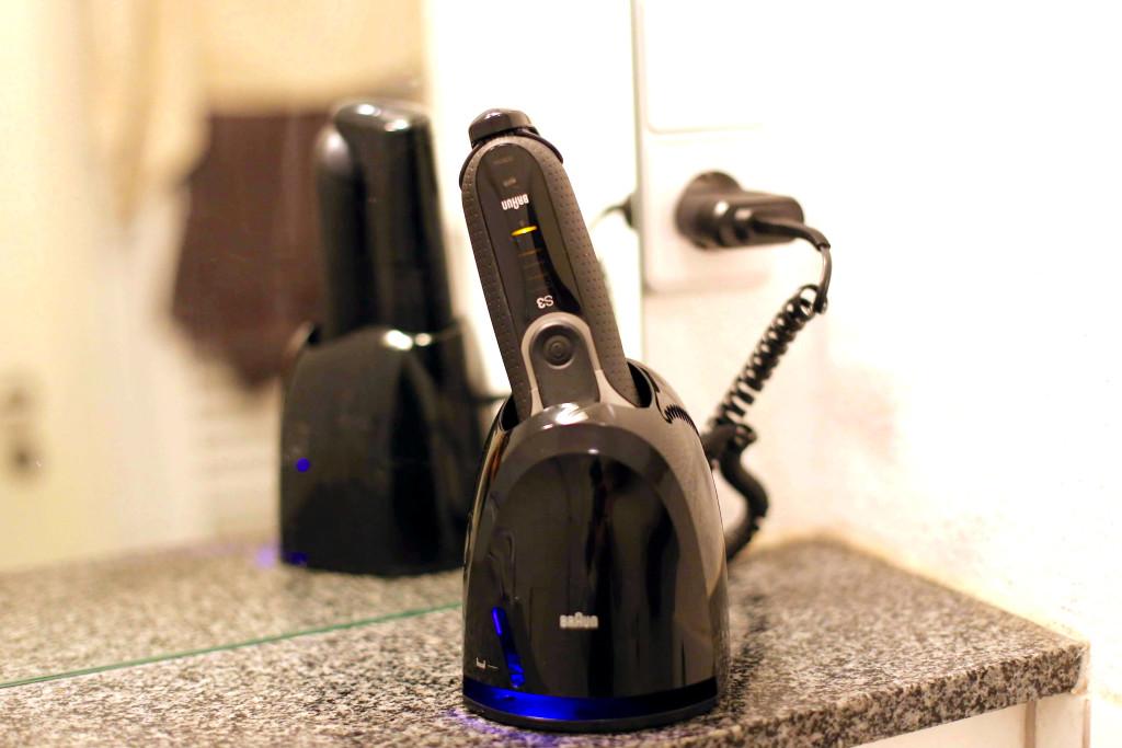 Braun Series 3 3090cc Clean&Charge MetropolitanMonkey