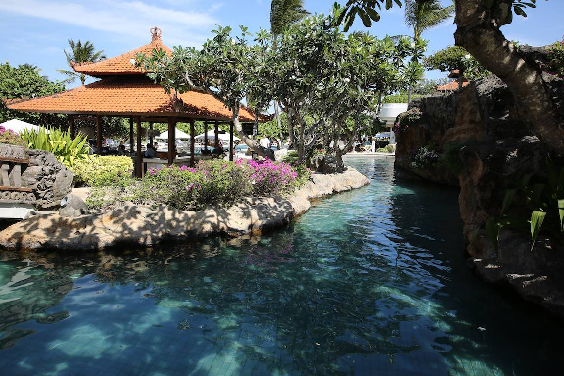 nusa dua grand hyatt bali pool lagoon metropolitan monkey
