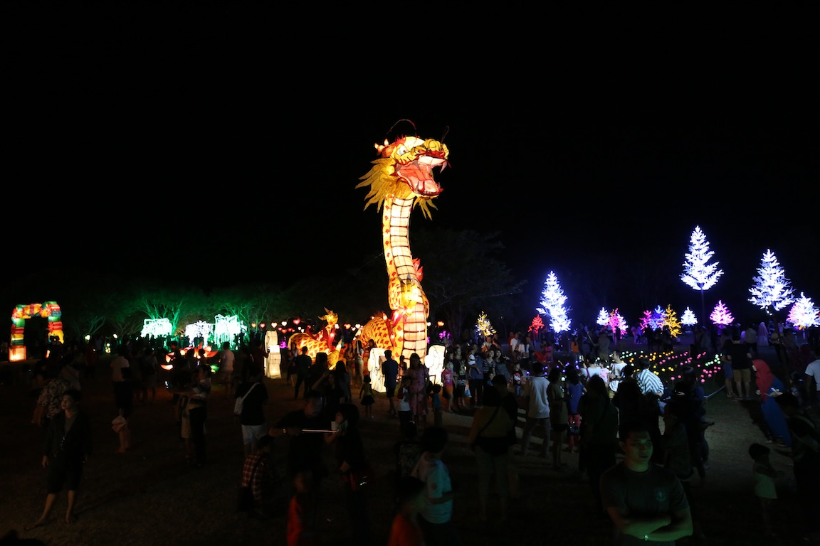 nusa dua light festival metropolitan monkey