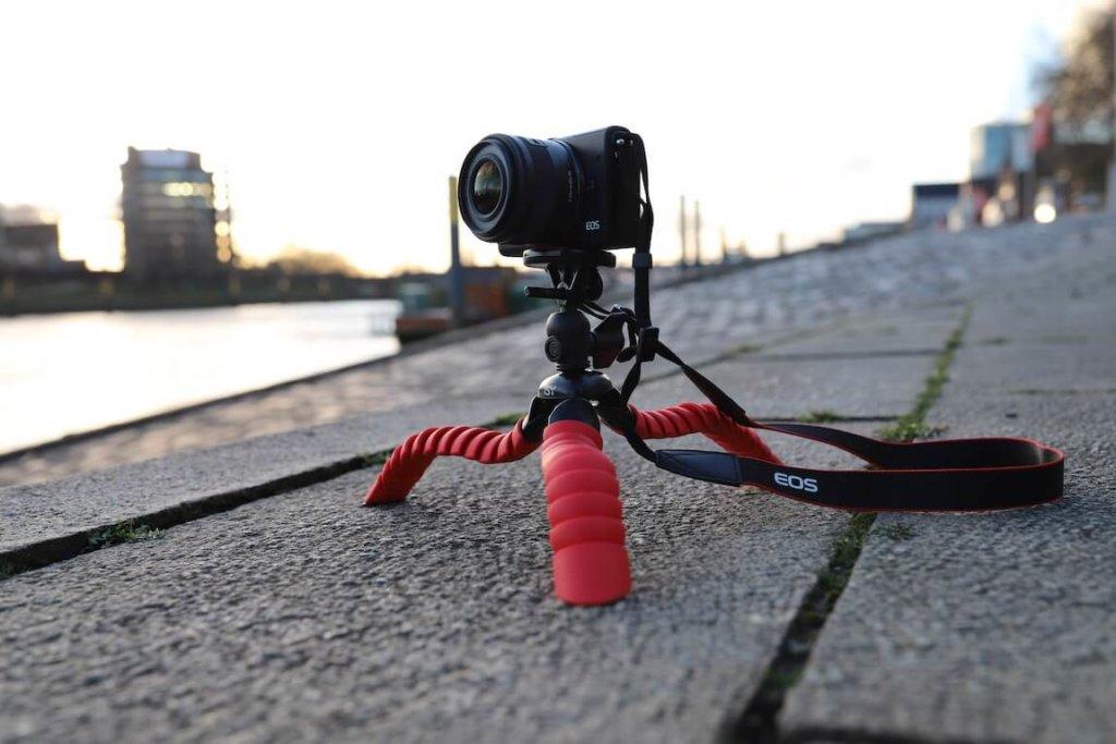 ISY ITT 750 Gorillapod Test Canon EOS M100 Metropolitan Monkey